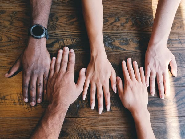 MULTICULTURAL TEAMS – FROM DIVERSITY TO INCLUSION